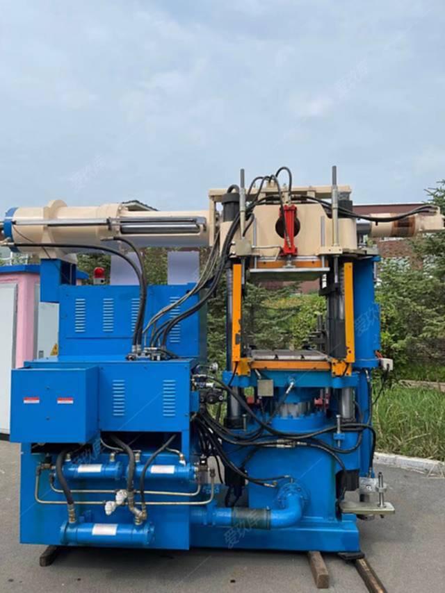 出售300噸橡膠注射成型機